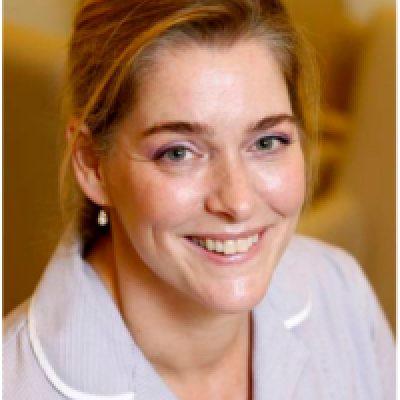 Dr. Péch Zsófia, bőrgyógyász