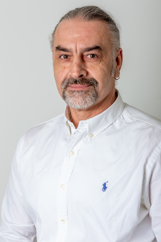 Manuálterapeuta-masszőr Szakács Árpád